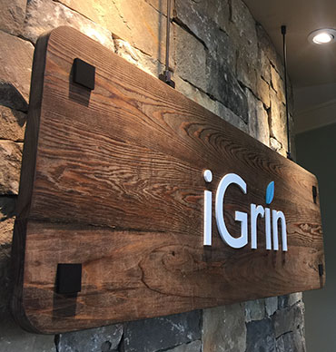 The iGrin Dentistry sign
