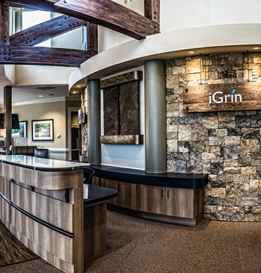 The front desk of iGrin Dentistry